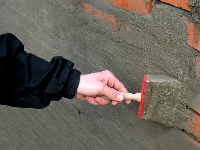Izolit PENETRATPenetrative waterproofing coating for wet walls and floors hydro-insulation. Solves the moisture problem in floors and brick and concrete walls in the basement, living rooms, bathrooms, terraces, garages and the like.